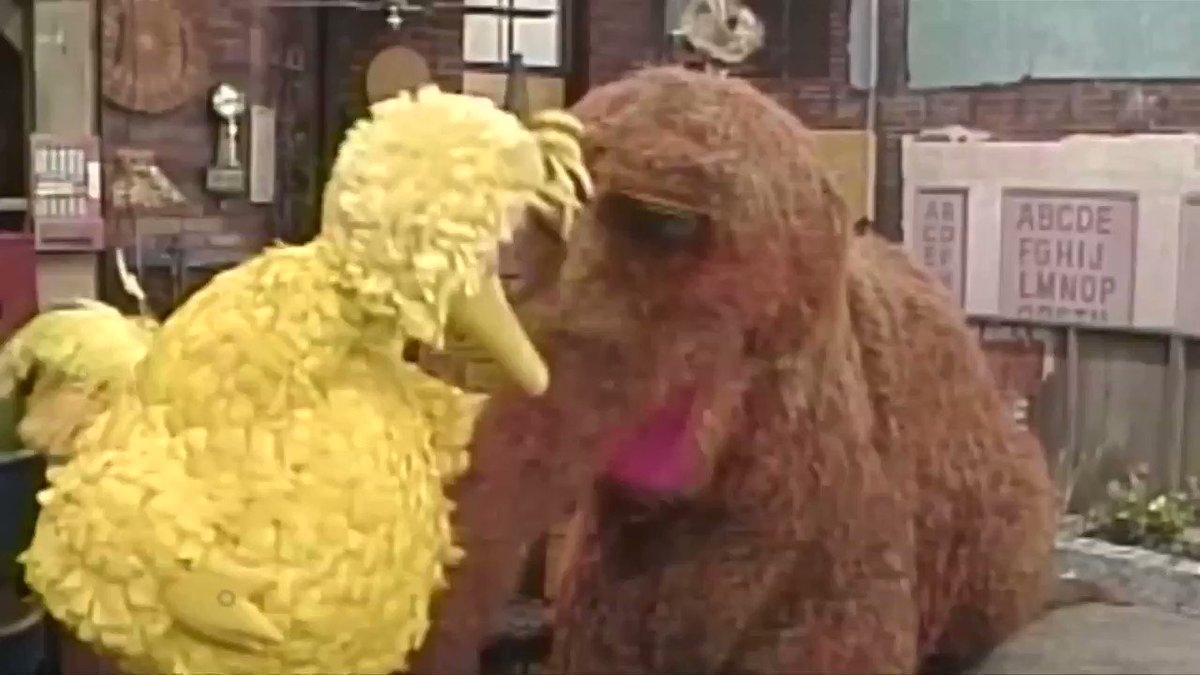 Big Bird actor retires from Sesame Street https://t.co/NP0tx7Mp3X