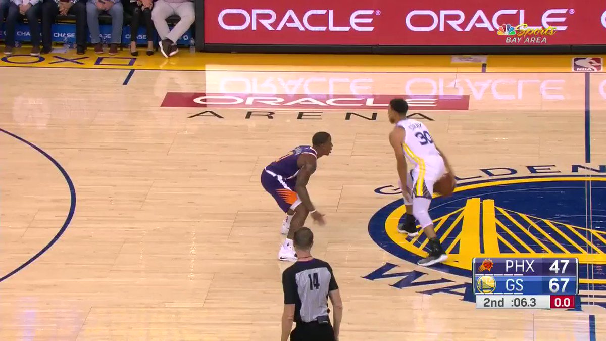 Quinn Cook ends the half with a @warriors 3!  #DubNation up at the half against #TimeToRise, 70-47. https://t.co/6CciGUIk3p