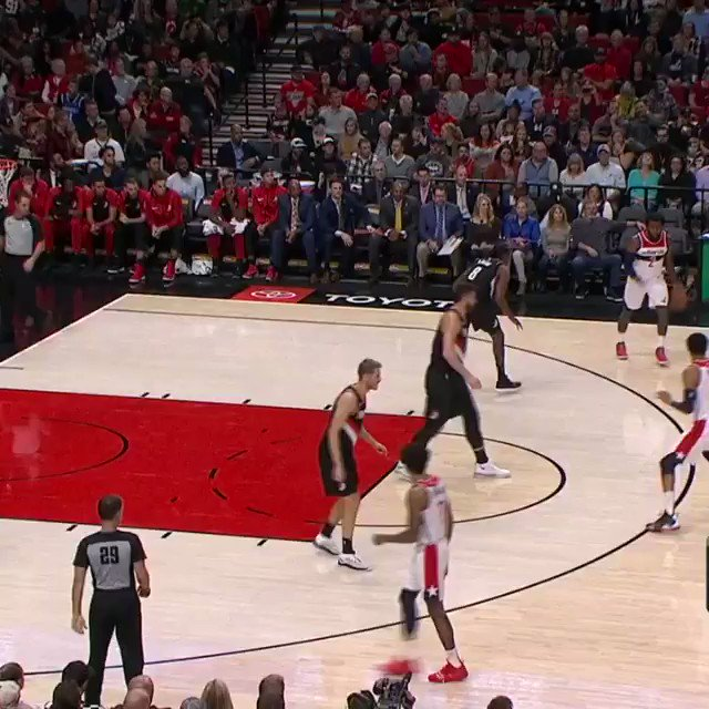 John Wall uses his speed to get to the rim! #DCFamily https://t.co/zV9oT6Ba6T