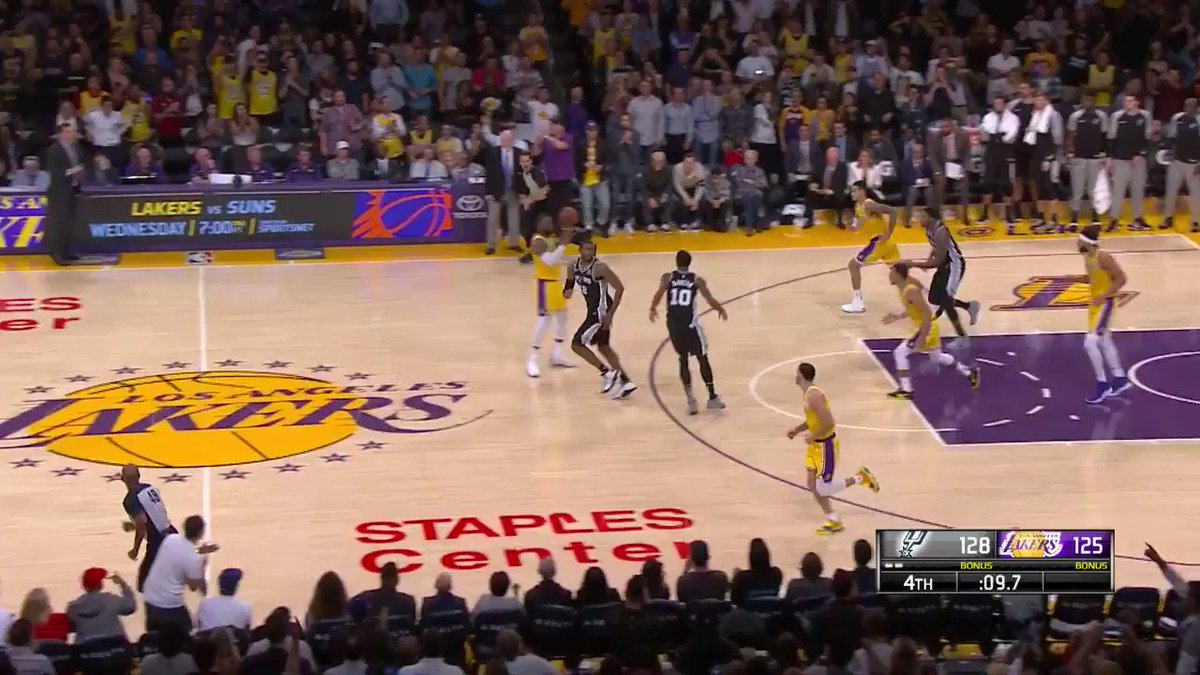 Down by 3 late in the 4th... LeBron James answers the call!! #LakeShow https://t.co/IBFPIQrgBD