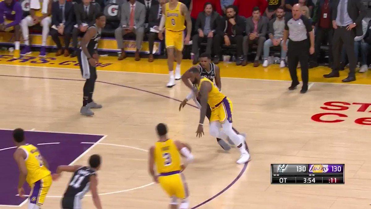 Johnathan Williams providing a spark for the @Lakers!  ��: @NBATV https://t.co/F7jAwhmaSl