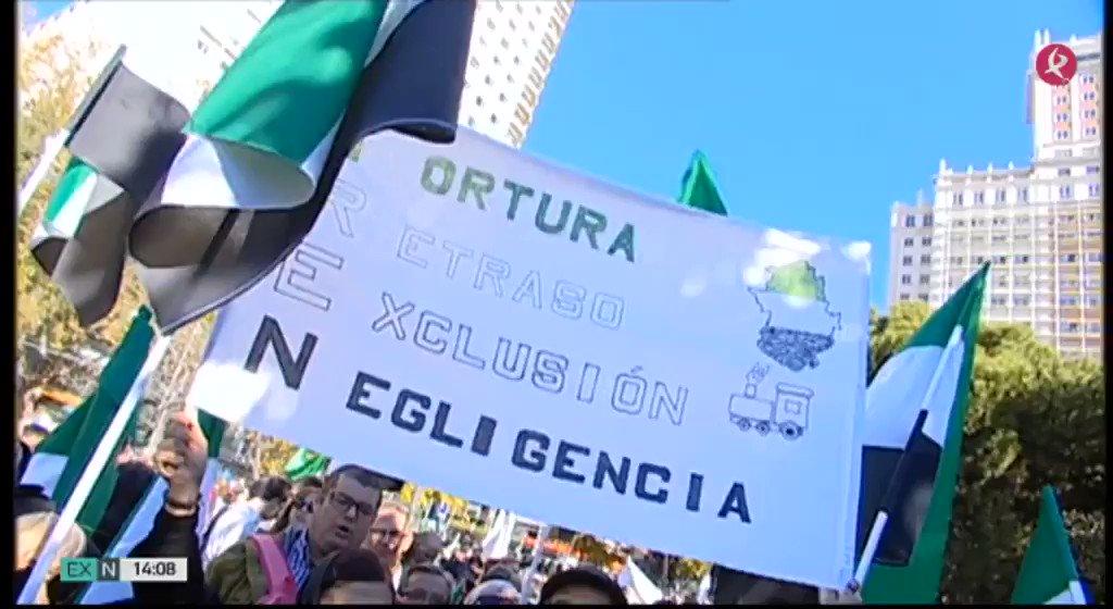 División en las plataformas y asociaciones relacionadas con el tren respecto a la manifestación del 18N. Unas no irán por la presencia de políticos y el olvido del norte de #Cáceres, otras llaman a la unidad por un #TrenDignoYa. @bonita_milana @MoTrenRutaPlata  #EXN https://t.co/Kf5Jr11qsg