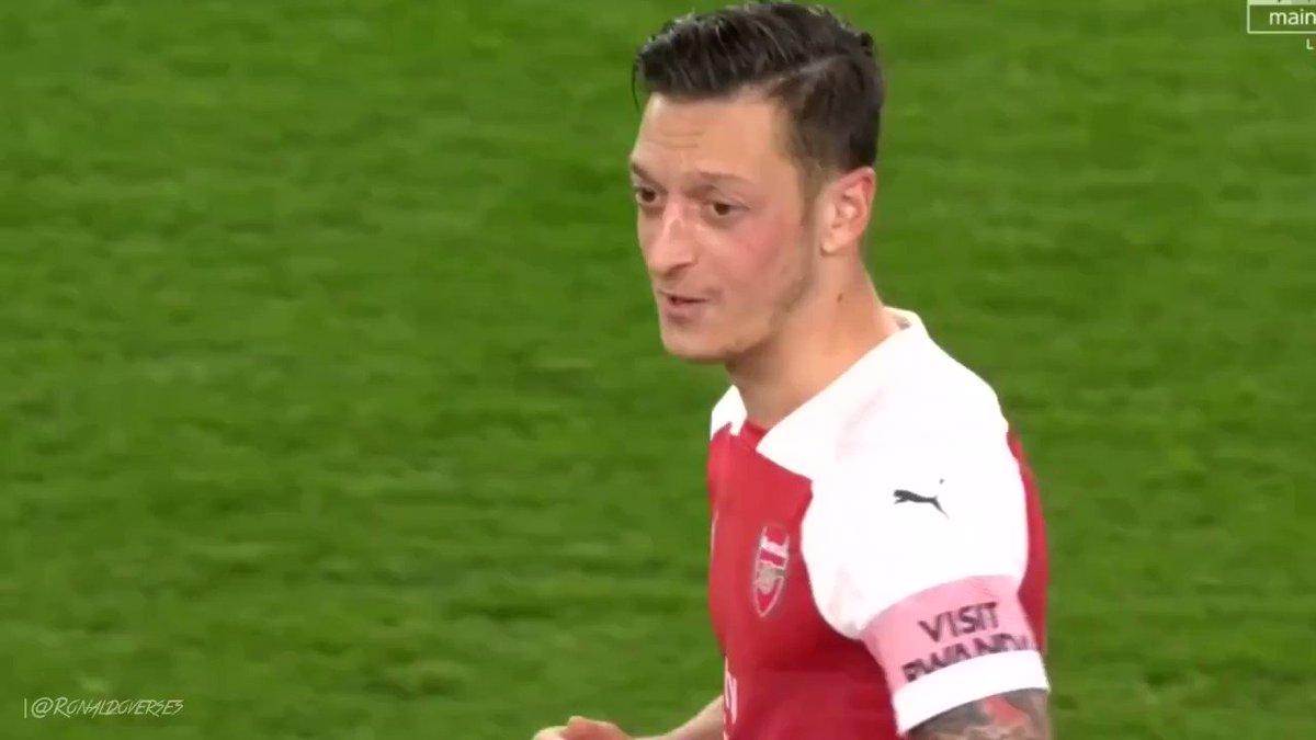 TheUnaiView's photo on Özil