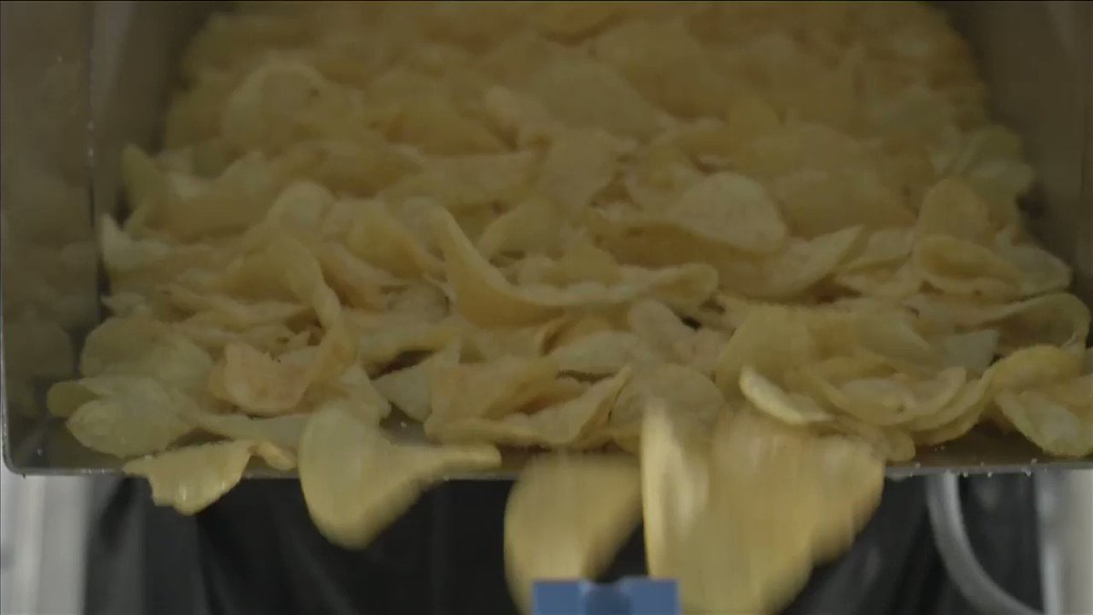 Two UK farmers create compostable potato chip bags https://t.co/fXgtDweVvF via @ReutersTV https://t.co/yz5UbQEvgb