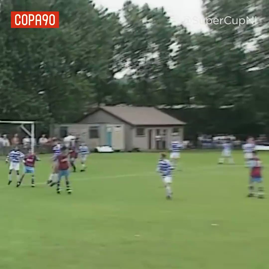 Happy birthday Joe Cole!  Here\s some rare footage of him tearing it up as a little Hammer... [