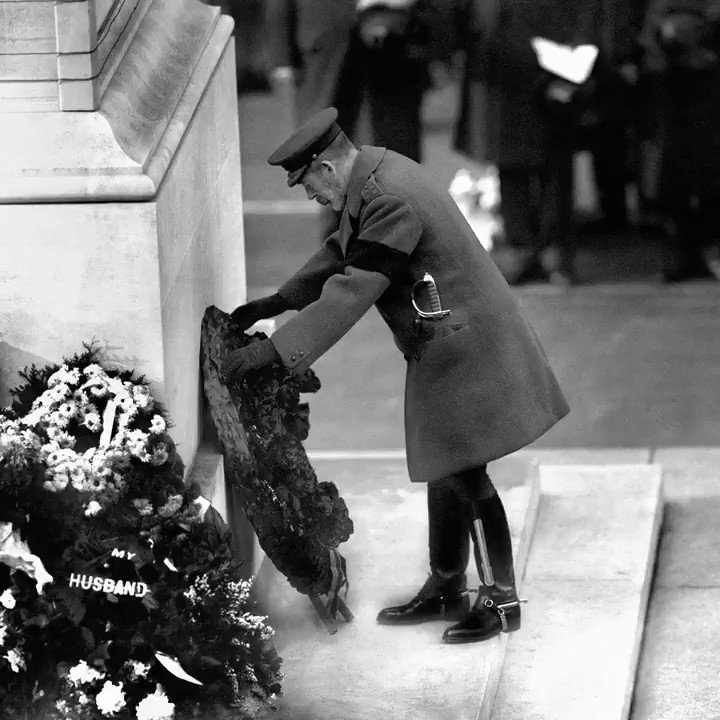 #WW1 commemorations began in 2014 with services to mark 100 years since Britain entered the War. Since then, there have been 4 years of events commemorating major battles & key elements of the war across Europe. Take a look back at tributes to the fallen: https://t.co/A3lKCIl8OT