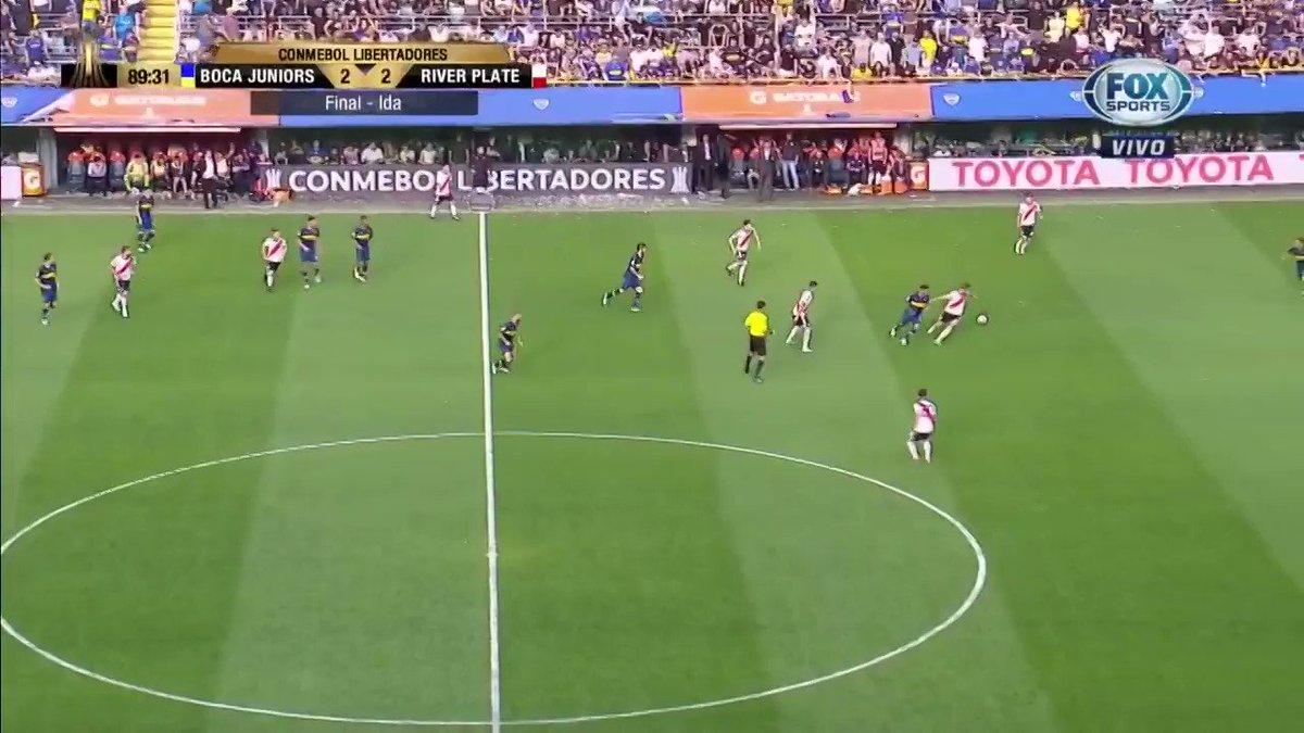 ⌚️ 17.55 hs. ⚽️ ¿Una atajada que vale media copa? Boca tuvo su chance en el cierre, pero apareció Franco Armani para ganarle el duelo a Benedetto 🚫🥅 🔚 El primer capítulo de la final más importante de todos los tiempos terminaba en empate 2-2.