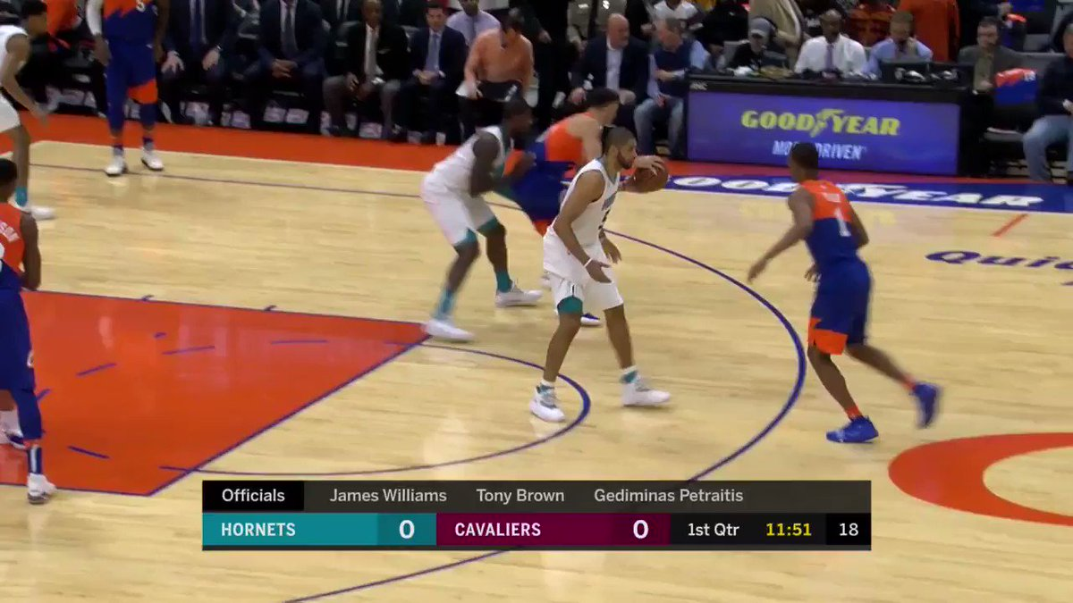 Rodney Hood scores the first bucket of the game on @NBATV! #BeTheFight https://t.co/6VnCeKGkzk