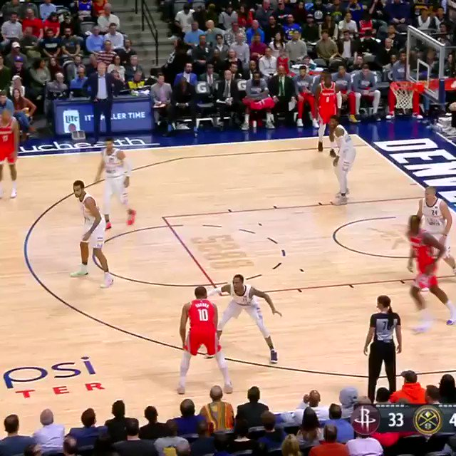 Clint Capela finishes off of the @HoustonRockets pick-and-roll! #Rockets https://t.co/HHKPFp6Es7