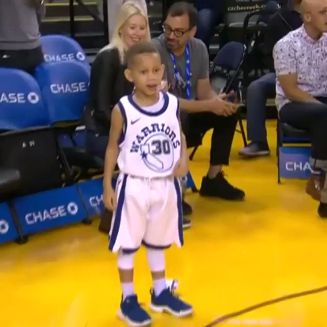 No. 30 is ready to go at Oracle! #ThisIsWhyWePlay  ��: @NBATV https://t.co/gqFxHKXYQd