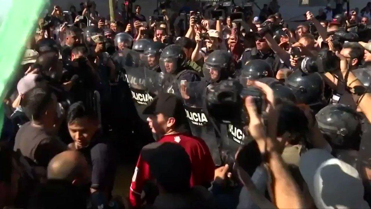 Migrants face protests in Tijuana, Mexico https://t.co/qj5CD1xf8U @ReutersTV https://t.co/laTMQ3i2oR