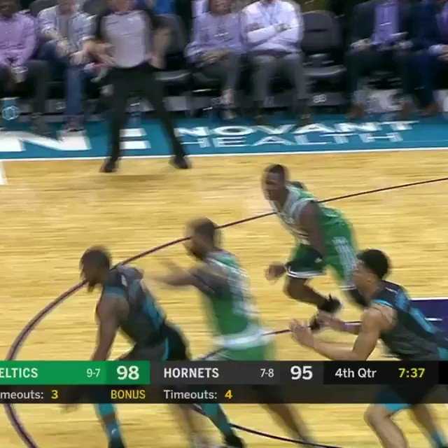 Kemba uses the eurostep for 2 of his 36 PTS!  #NBA League Pass: https://t.co/yTkITWsvb6 https://t.co/FD5JzRiy4a