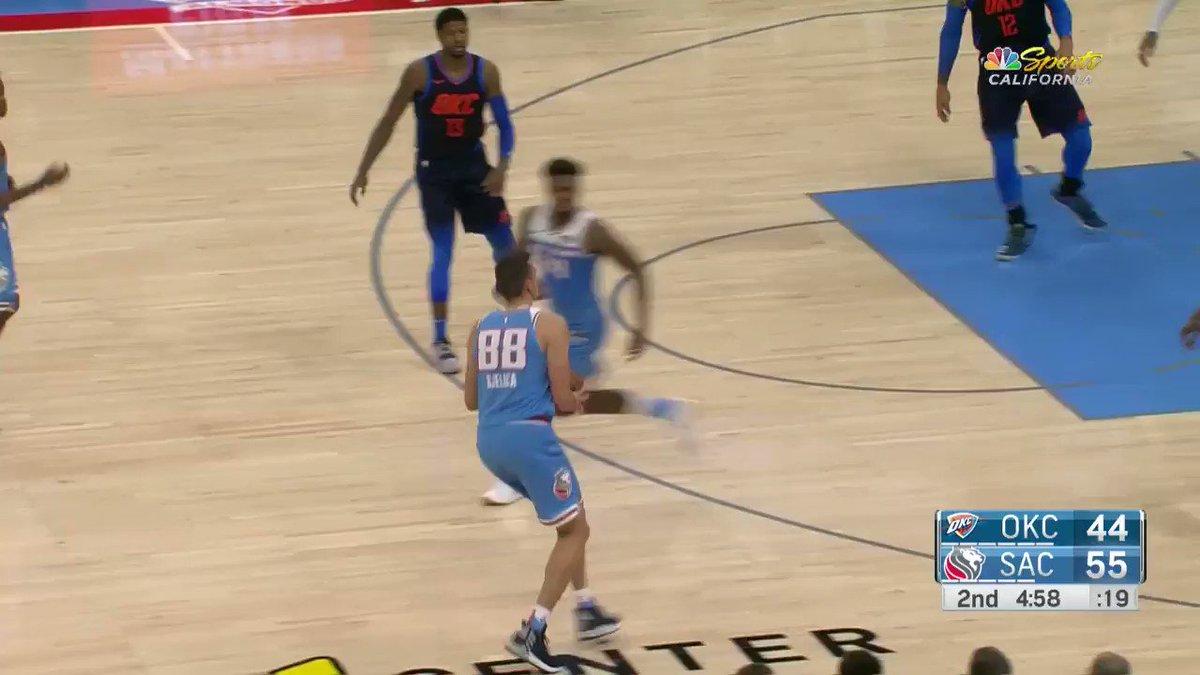 'This is fun to watch!'  #SacramentoProud 58 #ThunderUp 44  ��: @NBATV https://t.co/FC684JHPhs