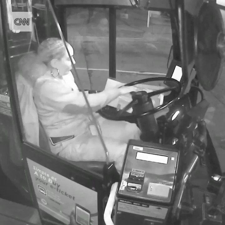 This bus driver didn't skip a beat when a homeless man stepped on her bus during a cold night, offering him food and helping him find a place to stay. Now she's being honored for it. https://cnn.it/2Q7gsAL