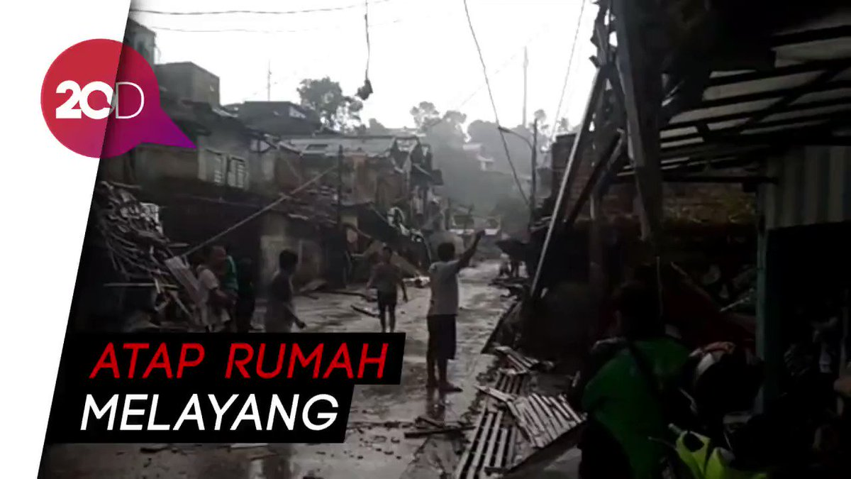 Begini kondisi Kota Bogor ketika diamuk hujan angin sore tadi. https://t.co/Cok9UbS7L8 https://t.co/lHoCJRRvbz