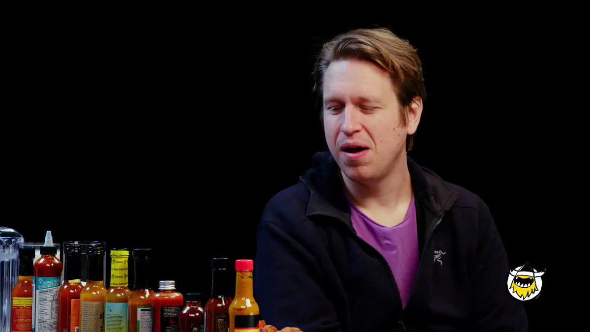 🚨NEW #HotOnes ALERT🚨 .@PeteHolmes goes toe-to-toe with the wings of death while being interrogated by #HotOnes host @seanseaevans. Will he make it through all 10 wings⁉️   FIND OUT NOW 👉 https://youtu.be/zXp-oWBF5x0   Powered by @Bira91US