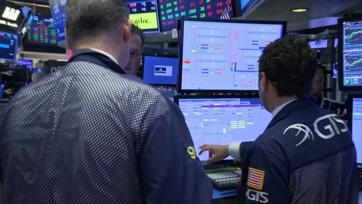S&P 500, Dow slip on trade worries, but end off lows https://reut.rs/2REYp2l  via @ReutersTV