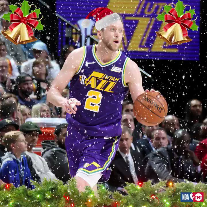 (J)INGLES ALL THE WAY! 🔔 Joe Ingles was in the holiday spirit last night! 🎄