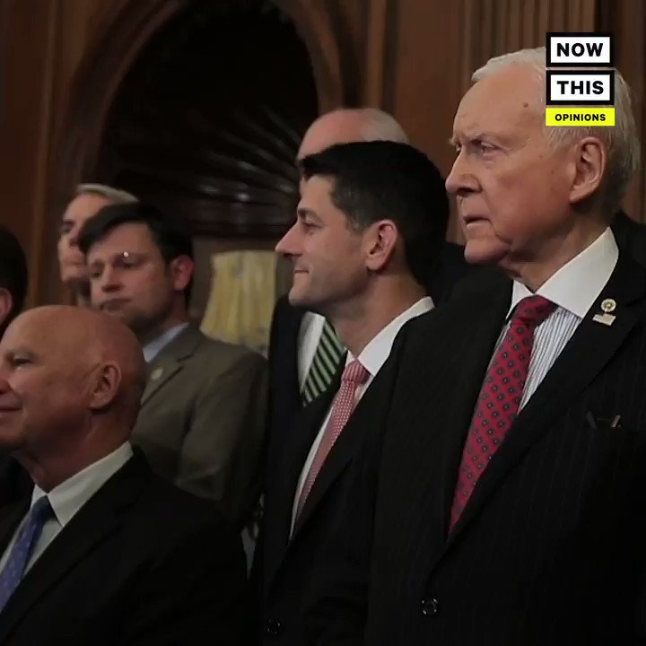 Image for the Tweet beginning: Members of Congress shouldn't trade