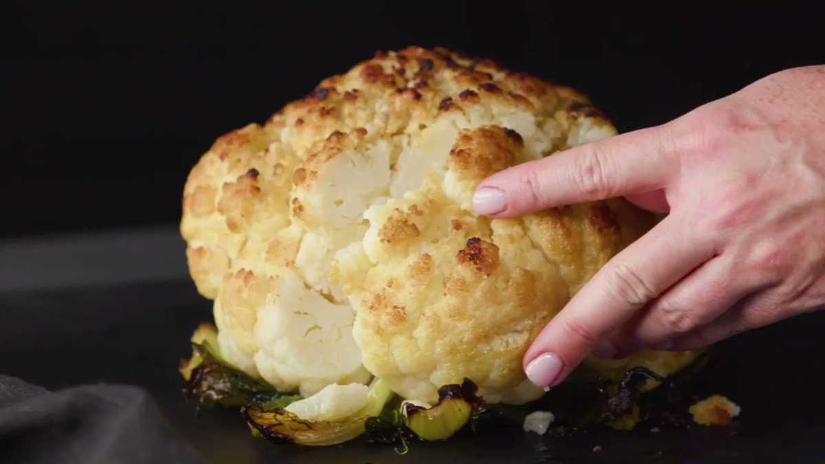 Image for the Tweet beginning: This whole roasted cauliflower is