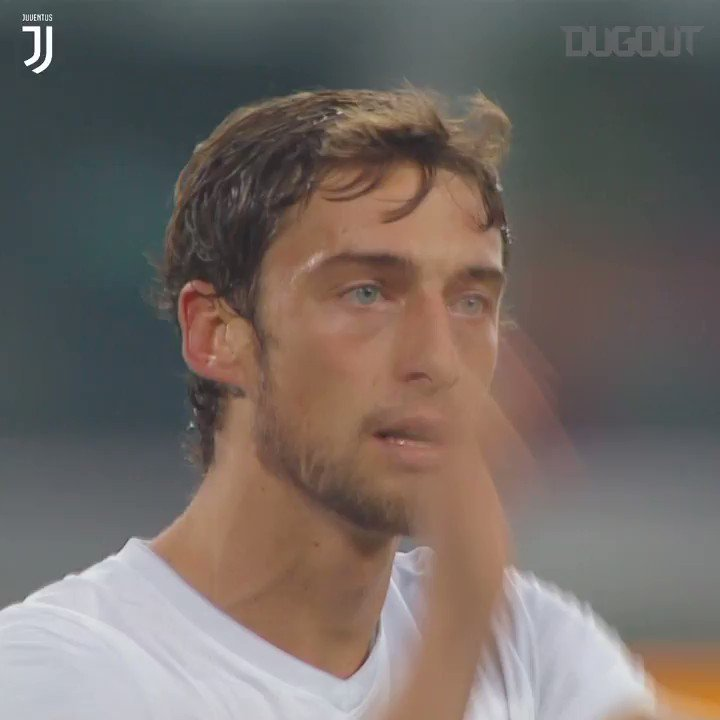 We continue to celebrate @ClaMarchisio8's 33rd with a look at some of Il Principino's best moments in ⚪️⚫️   📹 Watch the full video on @Dugout ➡️ https://dgt.ltd/2FvjLfZ   #ForzaJuve