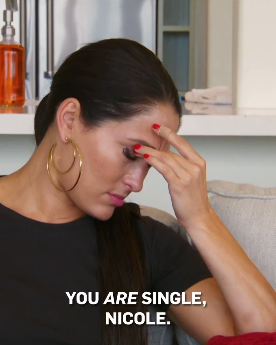 Leave a 🙏 if Mama Bella's speaking the truth.  Don't miss a new episode of #TotalBellas TONIGHT on E!