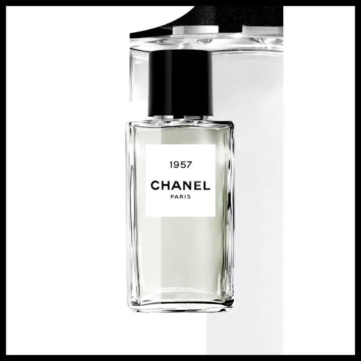Coco Chanel had the audacity to draw upon rare ingredients and the talent to exalt them. 1957 is a reflection of that. A delicately sculpted accord of white musks. Luminous. #LesExclusifsdeChanel #LesExclusifs Discover more on http://chanel.com/-LesExclusifs-2019…