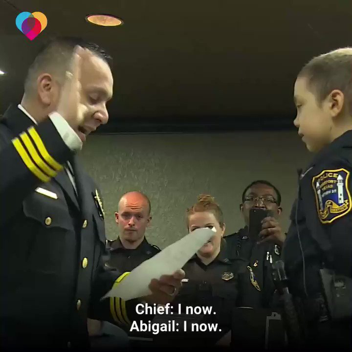 HEARTWARMING! A Police Chief in TX was brought to tears as he swears in 6-yr-old Abigal as an Officer. Her Cancer is incurable, but she is a Incredible fighter & wants to Fight the Bad guys in her body. God Bless You & your family #BackTheBlue 🙏❤️