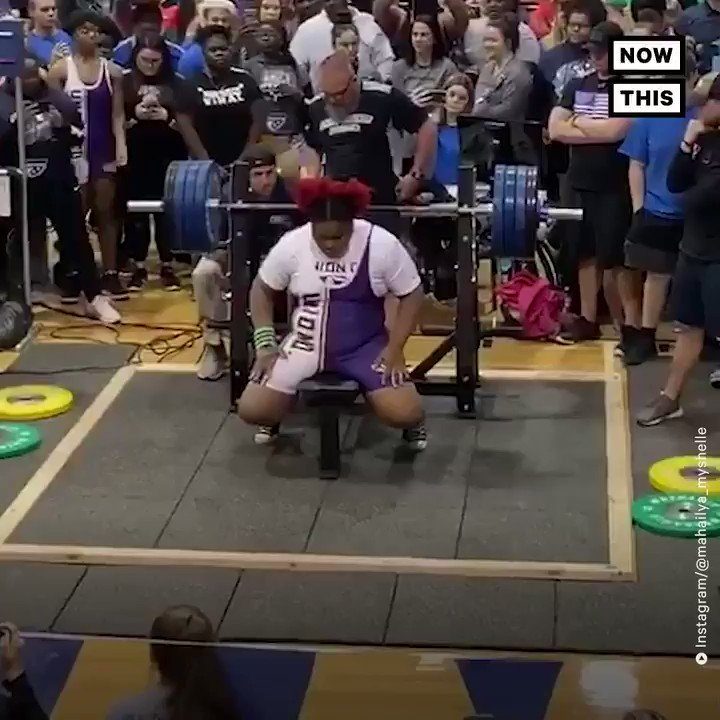 Watch this 15-year-old girl bench press 360 pounds, breaking a state record 💪🏾
