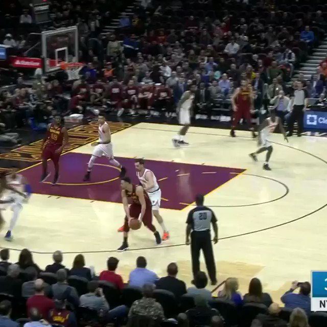 DSJ denies it off the glass!   #NewYorkForever 18 #BeTheFight 26  ����: https://t.co/iPjKqpSDr5 https://t.co/tp38x1W5yr