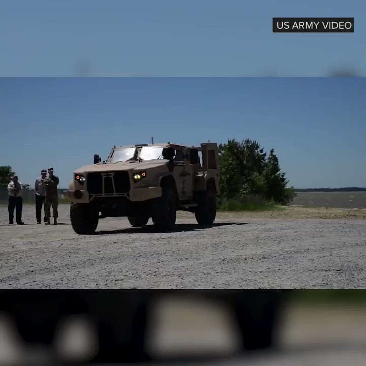 Image for the Tweet beginning: The US military's new Humvee
