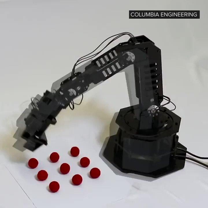 Image for the Tweet beginning: We stan a self-awareness #robot