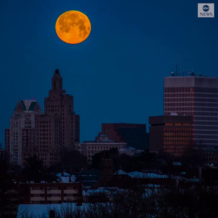"Timelapse footage captures a spectacular view of tonight's ""supermoon"" over the Providence skyline. https://abcn.ws/2DXJIld"