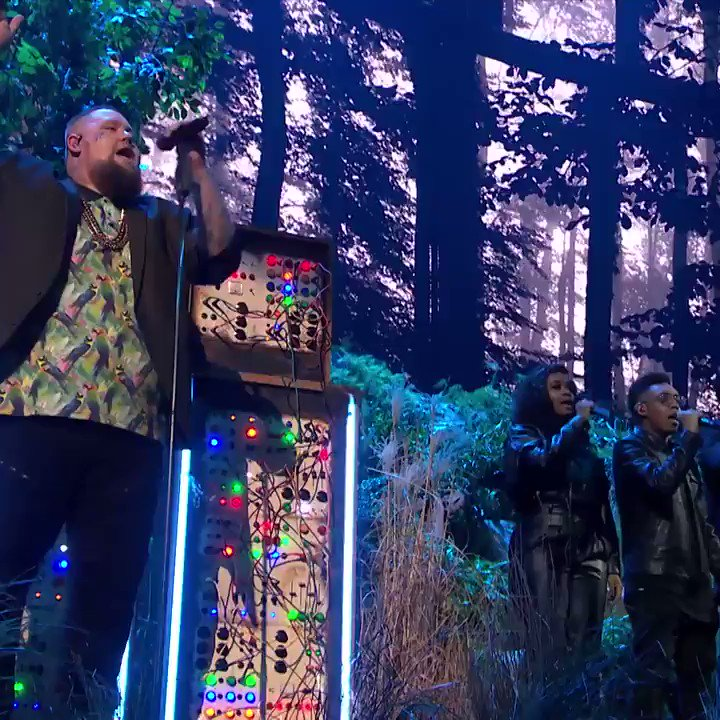 We loved this GIANT @CalvinHarris and @RagNBoneManUK #BRITs collab! Watch the complete performance with @DUALIPA and @samsmith too 👉 https://yt.be/music/RagNBoneManBRITs… @youtubemusic