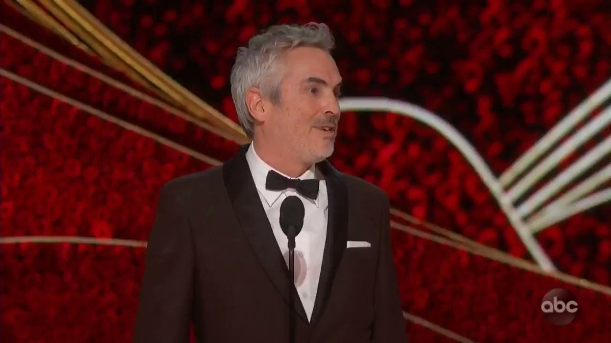 "Best Director winner @alfonsocuaron thanks the #Oscars ""for recognizing a film centered around an indigenous woman...As artists, our job is to look where others don't."" http://thr.cm/9PuLwX"