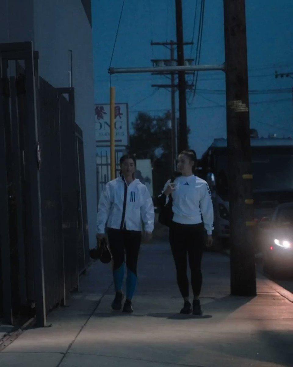 Fuerte y segura. Lo demás es solo entrenamiento. #adidasWomen https://t.co/gbWmKIEeII https://t.co/wPNb4HARWm