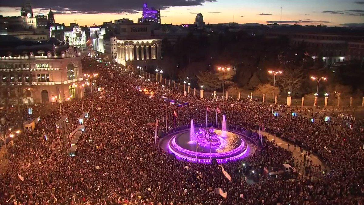 AP Noticias's photo on Dia Internacional