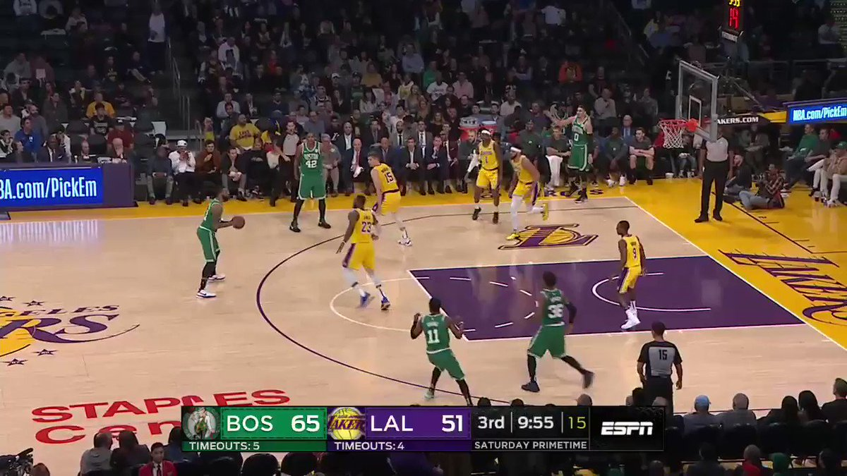 Kyrie having his way with the Lakers defense. https://t.co/C9DNKJ6sb0
