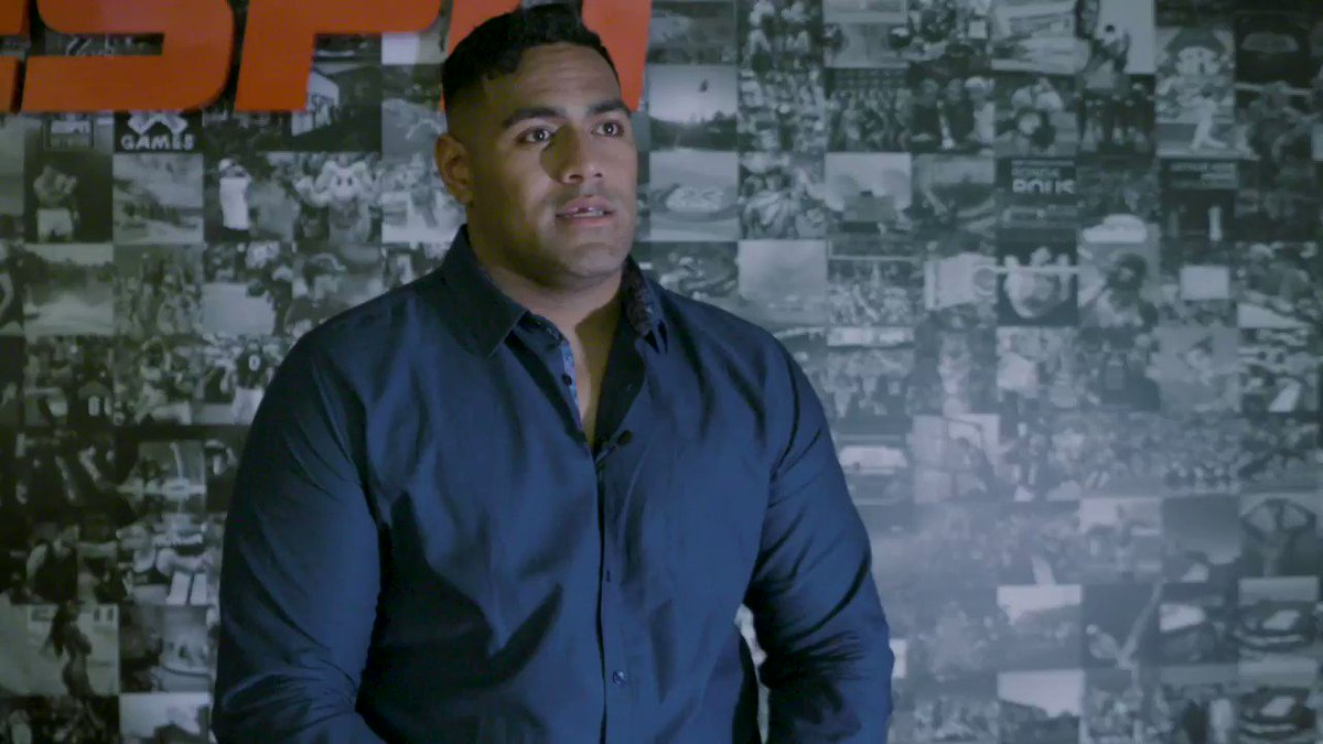 """@BenSimmons25, who's that?"" 😂  Rising NFL player @jordan_mailata on catching up with other Australian sporting stars in Philadelphia and what food he misses most from back home."