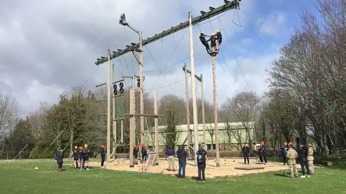 ATR Winchester hosted @Harlequins team who took on some high wire team building exercises with the Royal Army Physical Training Centre., testing themselves during the arduous @premrugby season. #COYQ