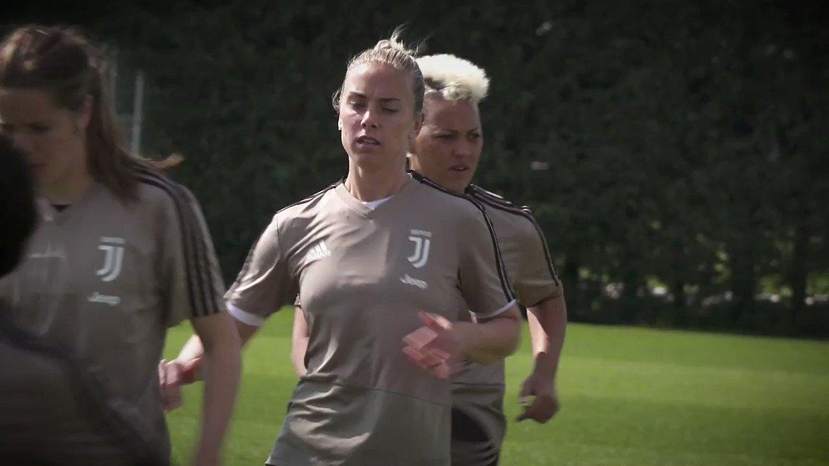 Verso la «Première», il grande evento all'Allianz Stadium 🔜🏟 🎟 Non hai ancora preso il tuo biglietto gratuito? ➡ http://juve.it/3pYf30o4opS #JuventusWomen #JuveFiorentina