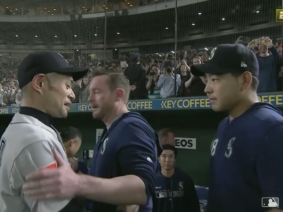 There is crying in baseball. #MLB開幕戦 https://t.co/12JtZZsyD6