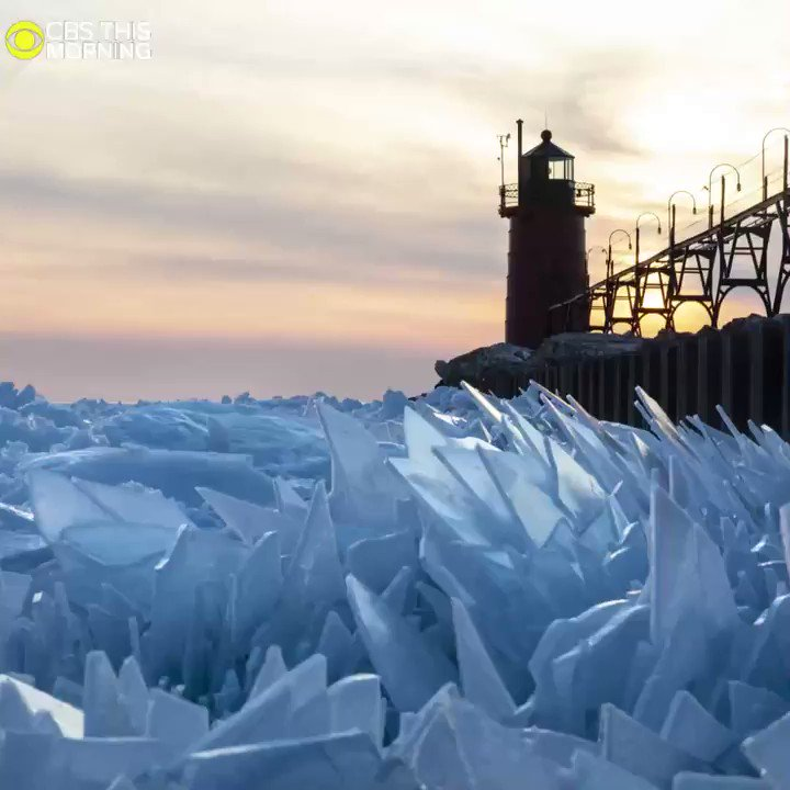 These stunning images capture frozen Lake Michigan shattered into countless pieces.