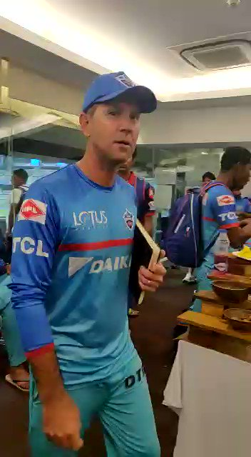 This. Is. New. Delhi. ❤  Coach Ricky Ponting out there giving us all the #MotivationalFeels with his speech after the #MIvDC game 👏🔥  The boys are ready for #DCvCSK at #QilaKotla!   #ThisIsNewDelhi #DelhiCapitals #CoachSpeaks