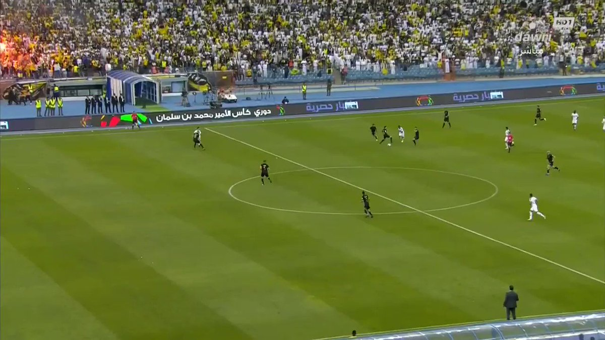 The dribble around the goalkeeper is too smooth  (via @dawriplusksa)