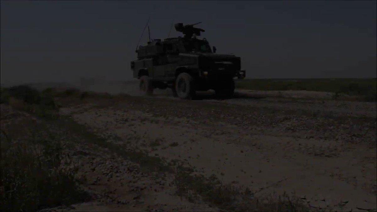 Nuestros militares ponen a prueba la capacidad de transporte de los helicópteros🇪🇸 @EjercitoTierra en #Irak 🚁 y reacción ante un ataque. No te pierdas el video📹 con un ejercicio de la #TFBesmayah y #TFToro del   en #Besmayah 🇮🇶 donde se continúa la lucha #24Siete contra #Daesh
