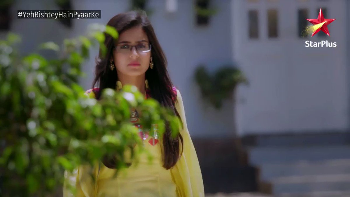 Mishti raises a very important question on Marital courtship. But will her family understand?   Find out on #YehRishteyHainPyaarKe, 10th &11th April at 10pm, only on StarPlus and also on Hotstar -  http://bit.ly/  YRHPKhotstar    @rhea_shrm @Shaheer_S