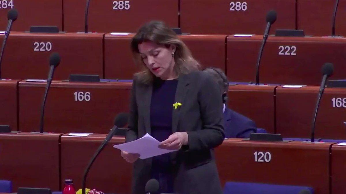 """🎥 La diputada islandesa @RosaBjorkB denuncia el judici als presos al Consell d'Europa: """"La política s'ha de fer als parlaments i a les places, no a les presons o als jutjats"""". Gràcies!"""