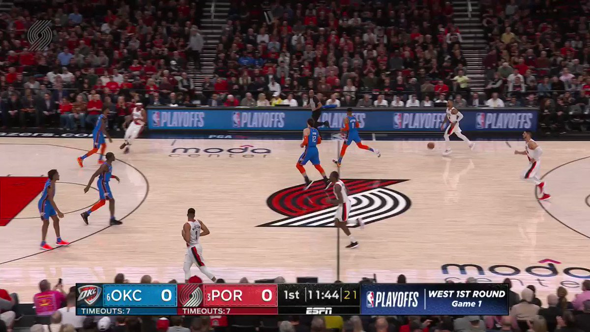 First possession of the game? DAME FROM THE LOGO https://t.co/ZmZmxa6ggF