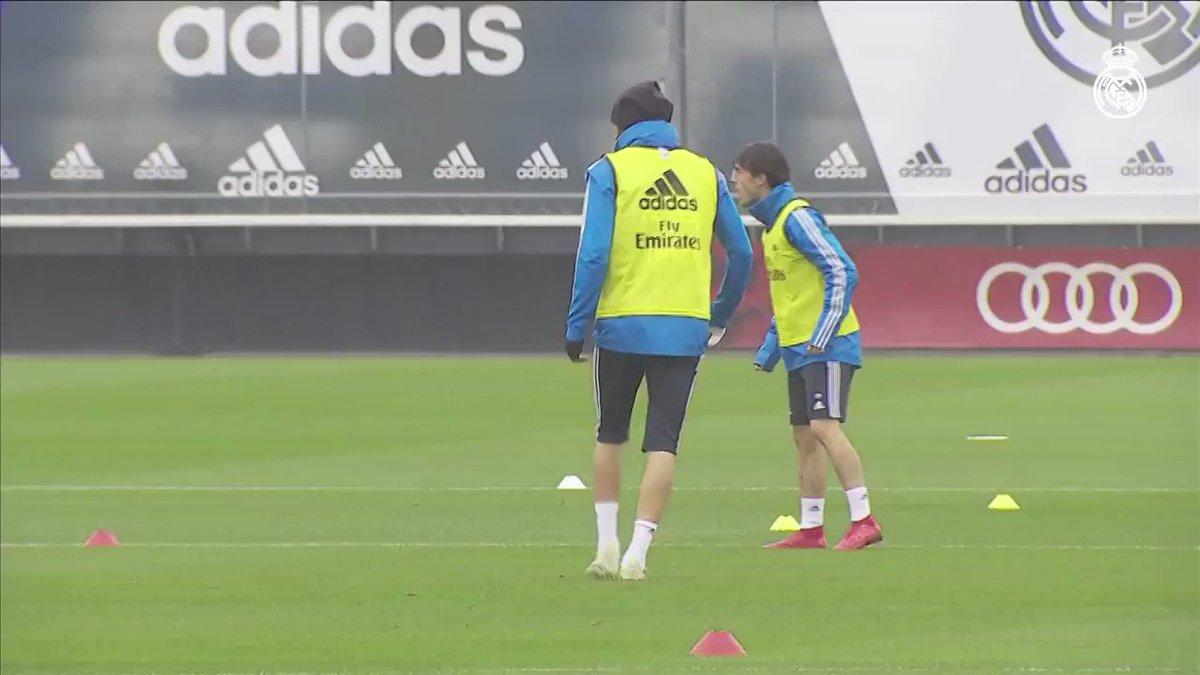RT realmadrid: 🏃♂🌧 ¡El equipo sigue preparando el partido ante el AthleticClub! #RMCity